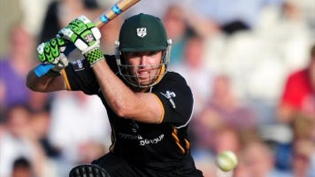 Cameron shines in Worcestershire win