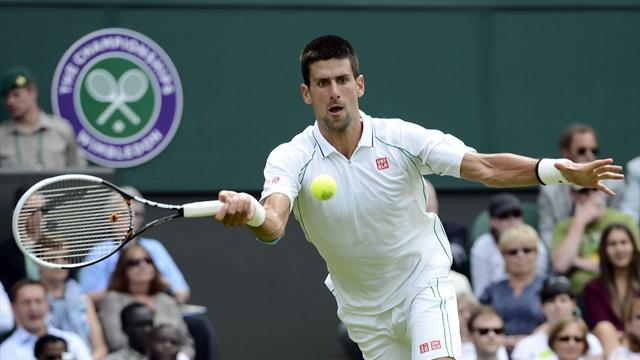 Men: Djokovic, Federer breeze through