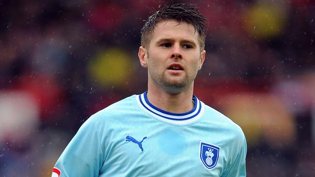 Huddersfield sign Norwood - Football - Championship