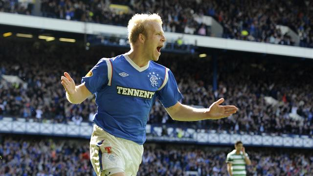 Everton sign Naismith - Football - Premier League