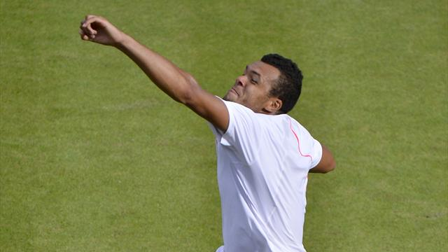 Tsonga sees off Kohlschreiber, ready for Murray