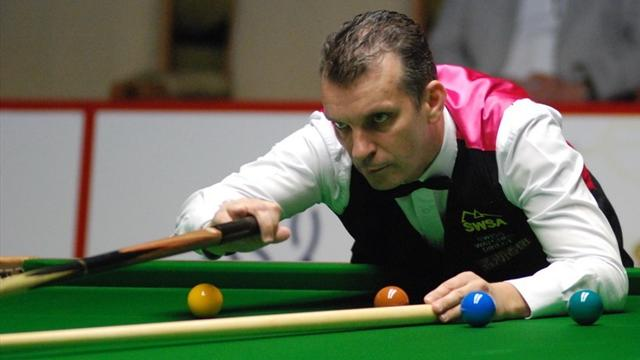 Davis wins Six-reds title - Snooker