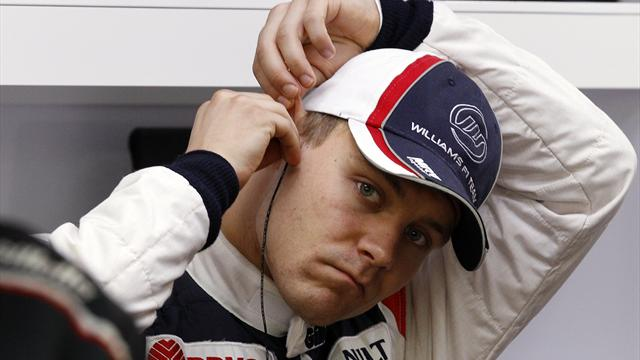 Bottas stays on top at Silverstone