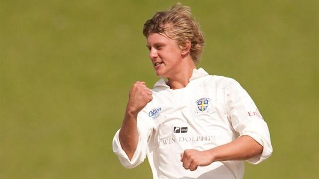 Borthwick helps Durham - Cricket - County