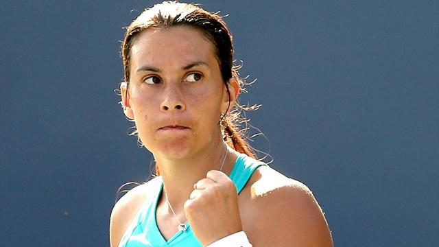 Bartoli remains on course - Tennis