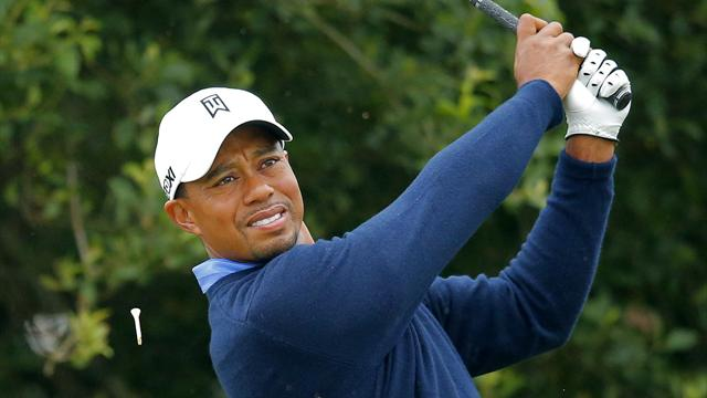 Woods hot favourite at wet Lytham