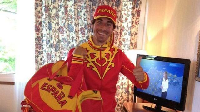 Spanish athletes mock garish Olympic uniforms