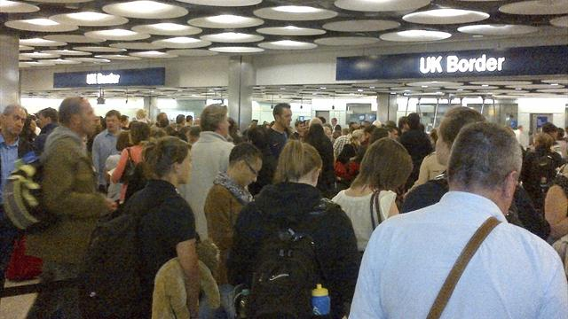 Border staff vote for strike, visitors face chaos