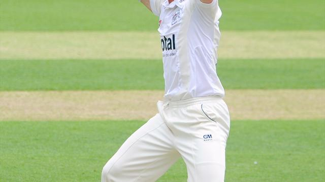 Saxelby stars for Glos - Cricket