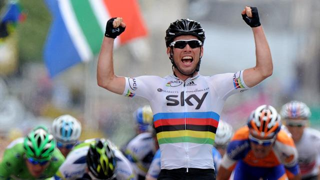 Cavendish back with a bang to win stage 18