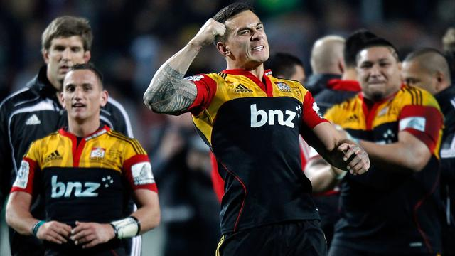 Chiefs withstand Crusaders' comeback bid to reach final