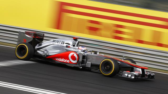 McLaren weighing up - Formula 1