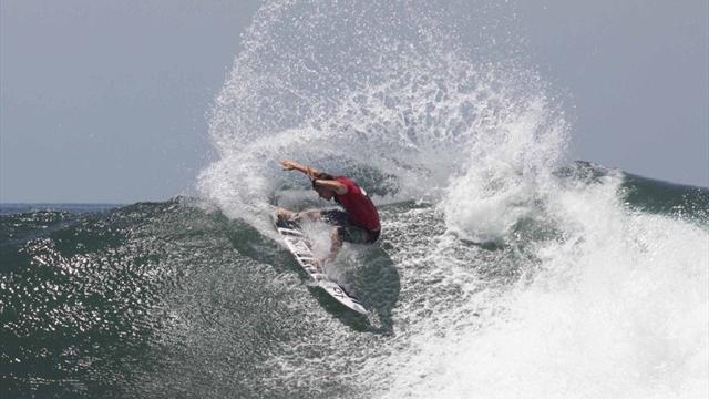 Lau wins in Japan - Surfing