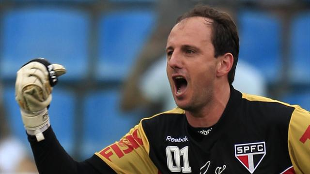 Sao Paulo rampant as Rogerio Ceni returns