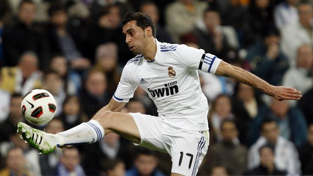 Arbeloa extends deal - Football - Liga