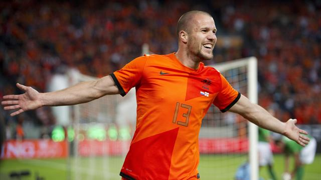 Villa complete Vlaar deal - Football - Premier League
