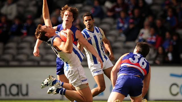Kangaroos beat Bulldogs - Australian Football