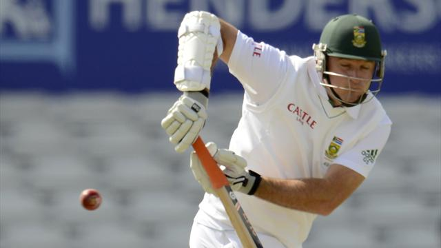 England draw with SA - Cricket