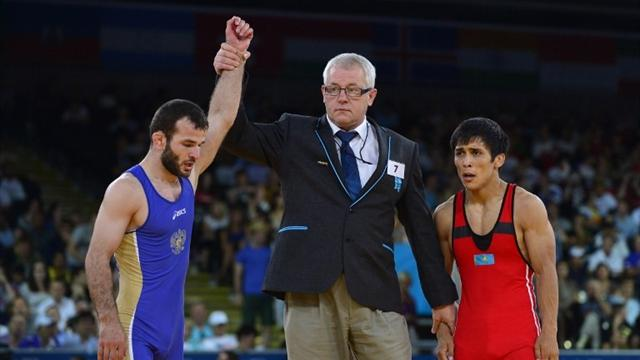 Otarsultanov wins 55kg Olympic gold
