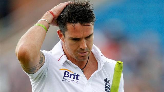 Cook tight-lipped on Pietersen