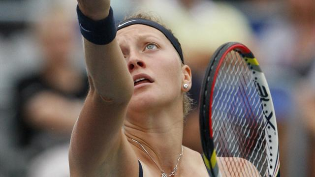 Kvitova cruises in rainy Montreal, Azarenka withdraws