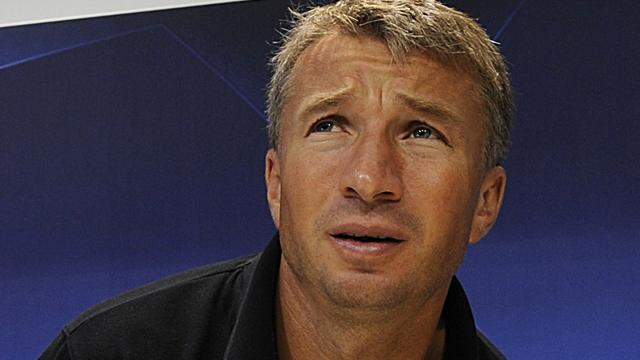 Petrescu joins struggling Dynamo as coach