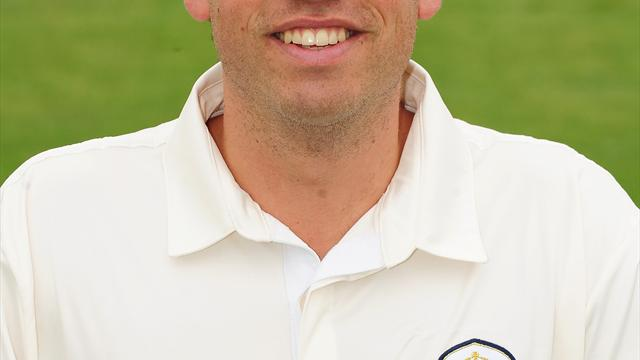 Durston leads Derbyshire - Cricket