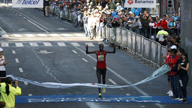 Runner dies after marathon - Athletics