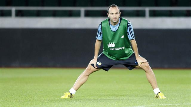 Iniesta out for two weeks - Football - Spanish Liga
