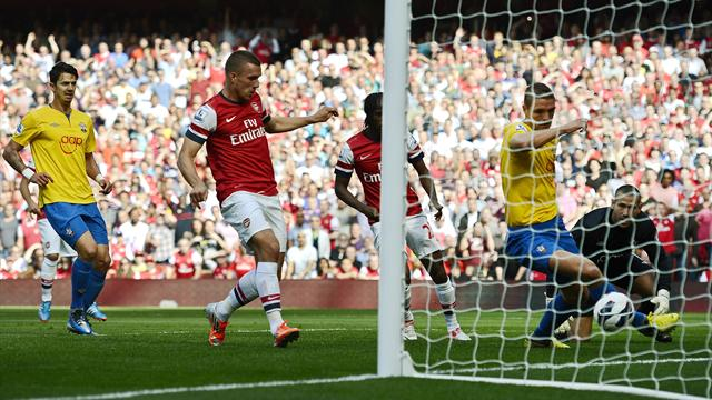 Arsenal hammer Southampton - Football - Premier League