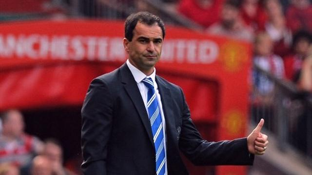 Managers: Martinez slams 'diver' Welbeck