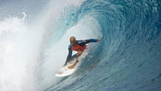 Slater leads way at Hurley - Surfing
