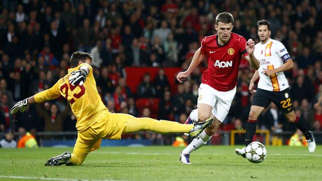 Carrick strike secures win - Football - Champions League