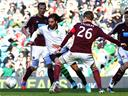 Samaras sees off Hearts