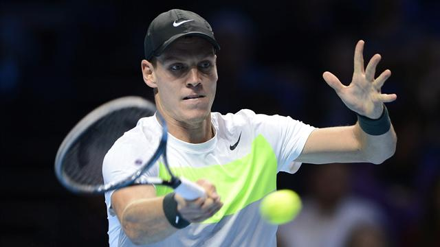 Berdych stays alive as Tsonga crumbles