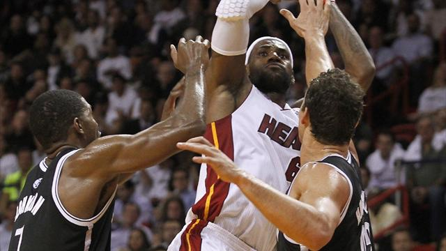 Heat scorch Nets in 30-point win  - Basketball - NBA
