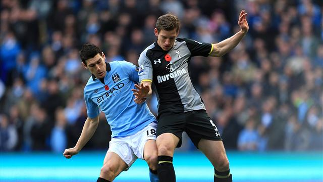 2012 Manchester City v Tottenham Gareth Barry Jan Vertonghen