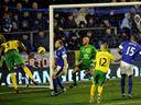 Late drama as Norwich hold Everton