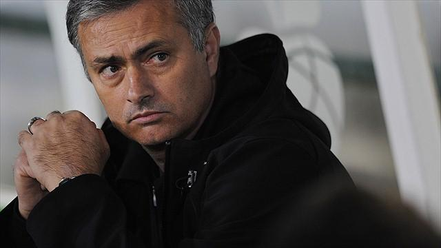 Casillas defends Mourinho after Bernabeu whistles