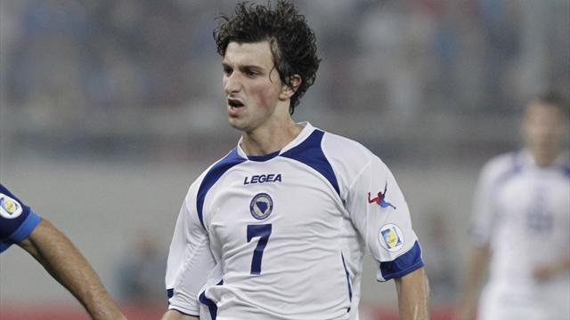 Sevilla seal signing of Bosnian Stevanovic
