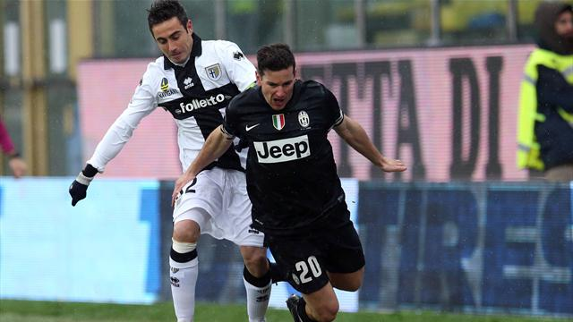 Parma hold leaders Juventus