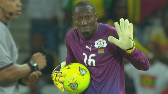 FAIL! Keeper Soulama (Burkina Faso) sent off for catching the ball outside the box