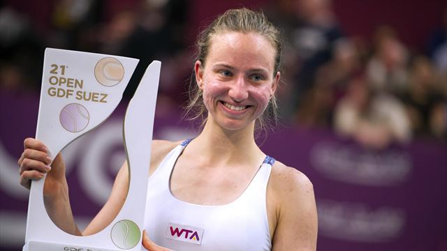 Barthel defeats Errani to win Paris Open