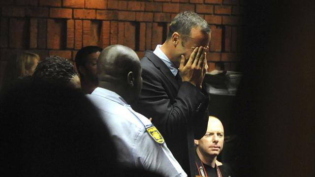 Pistorius disputes Steenkamp murder charge - Athletics - Pistorius case