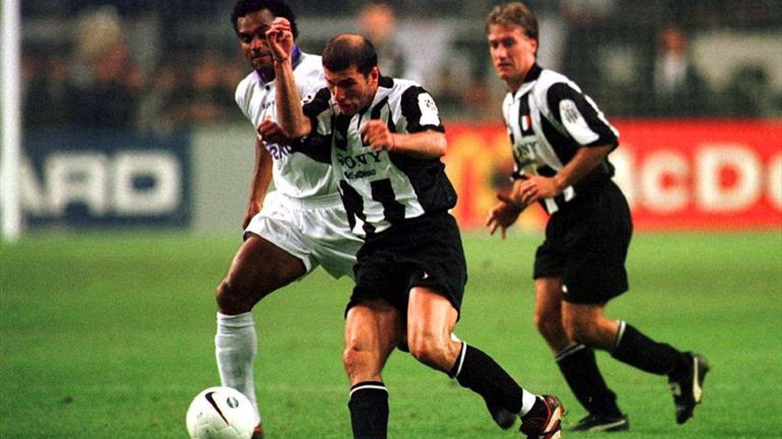 FOOTBALL 1998 Champions Juventus Real Madrid Zidane Karembeu Deschamps
