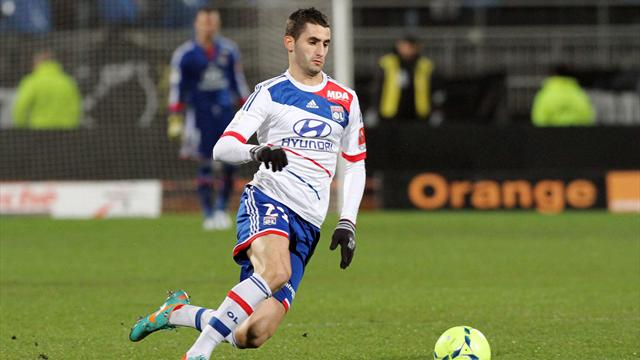 Napoli 'target Gonalons and Nkoulou' - Football - Ligue 1