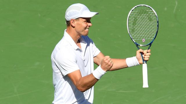 Berdych ousts Anderson to reach semis