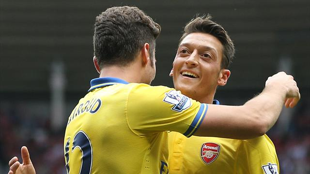 Arsenal's Ozil, Giroud declared fit
