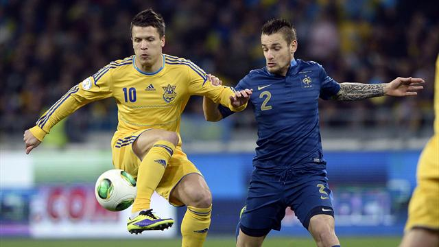 Ukraine v France - Konoplyanka and Debuchy (afp)