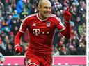 Bayern thrash Eintracht Frankfurt to retain lead at top